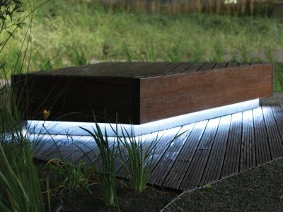Ława z drewna (azobe-bongossi) - WBG - LED